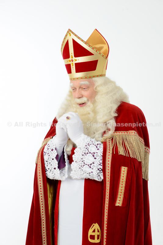 Sinterklaas kijkt verrukt
