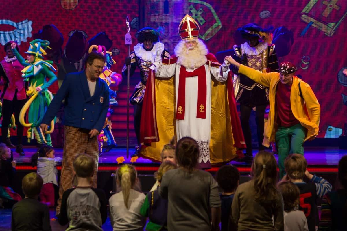Sinterklaas en Ernst en Bobby